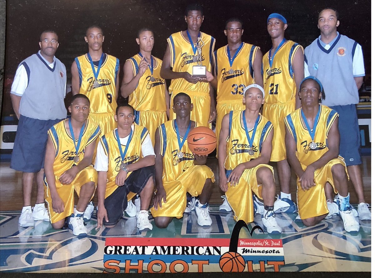The good ole days ⁦@chasec0urage⁩ ⁦@jerome_randle⁩ ⁦@drose⁩ what a great group and some incredible talent. Won a ton of games with this group. https://t.co/l9VIzU76vy