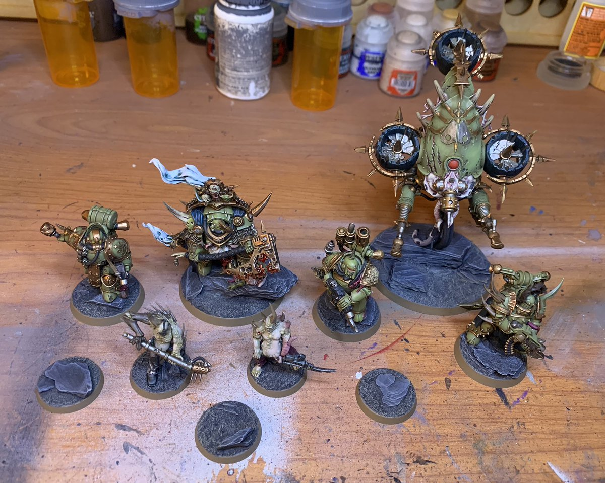 Finished up some more of the Death Guard half of Dark Imperium today. Just the poxwalkers left to finish up and some final touches on all the bases and these boys can join the Marines at my LGS.  #Warmongers #WarhammerCommunity #warhammer40k #miniaturemonday #miniaturepainting https://t.co/oTP4bprlsW