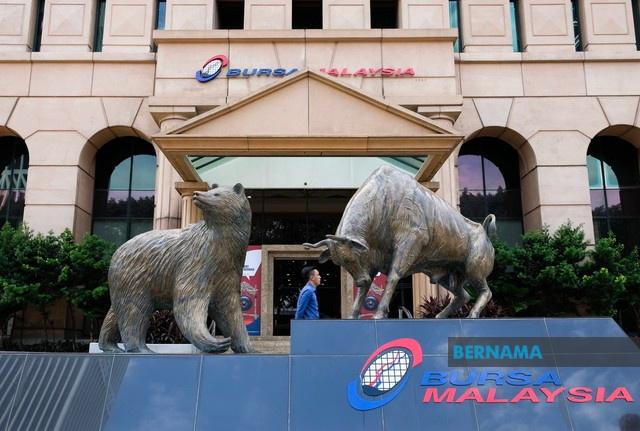 FBM KLCI Bursa Malaysia muncul pasaran catat prestasi terbaik di ASEAN bagi separuh pertama 2020 - Abdul Wahid Omar  @BursaMalaysiaKL https://t.co/NFOYrO4CGi