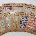 Image for the Tweet beginning: 【オススメ商品】布に貼れるシール #irodo お取扱い中です✨こするだけで簡単に転写可能なので誰でも簡単にオリジナル雑貨が作れちゃいます🎶布マスクは勿論、不織布にも使用可能ですよ◎可愛い #オリジナルマスク で