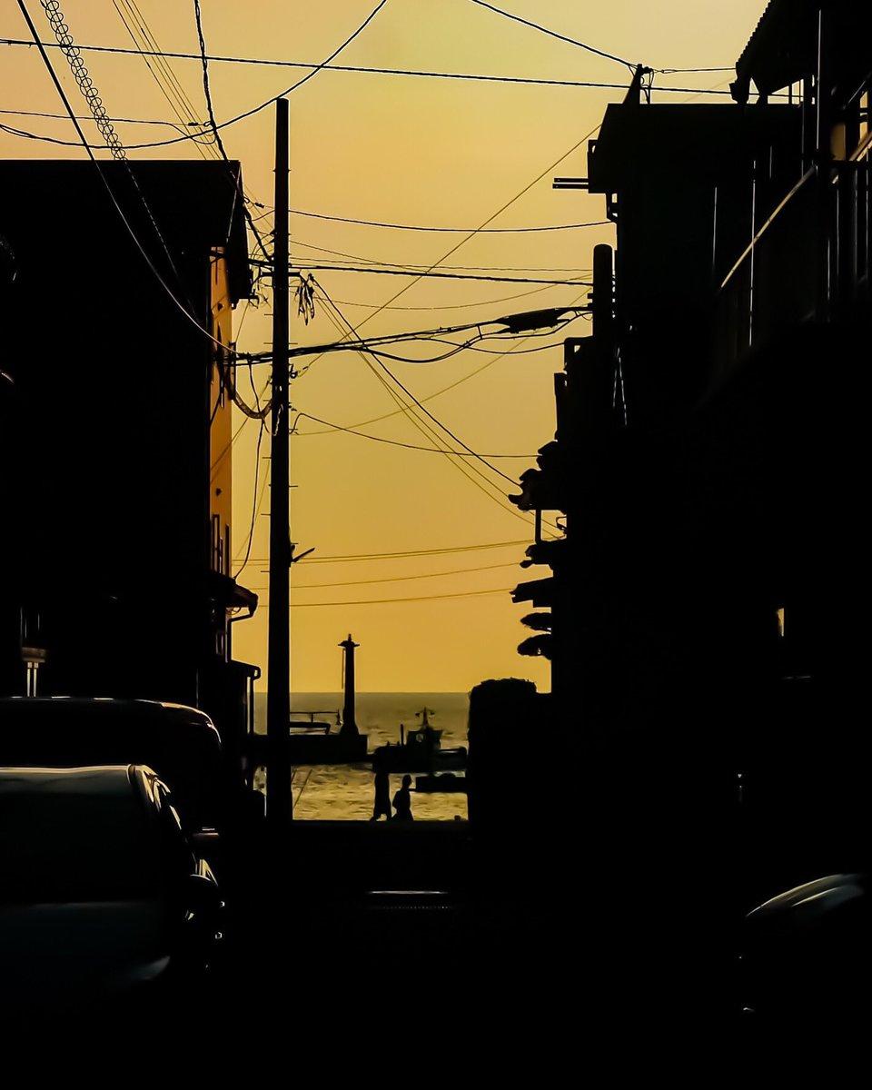 神奈川は三浦半島やらがあっていいな 東京にもこんな景色があったらいいのに #bnwdaily #夕焼けpic.twitter.com/JDRVSNSyRJ