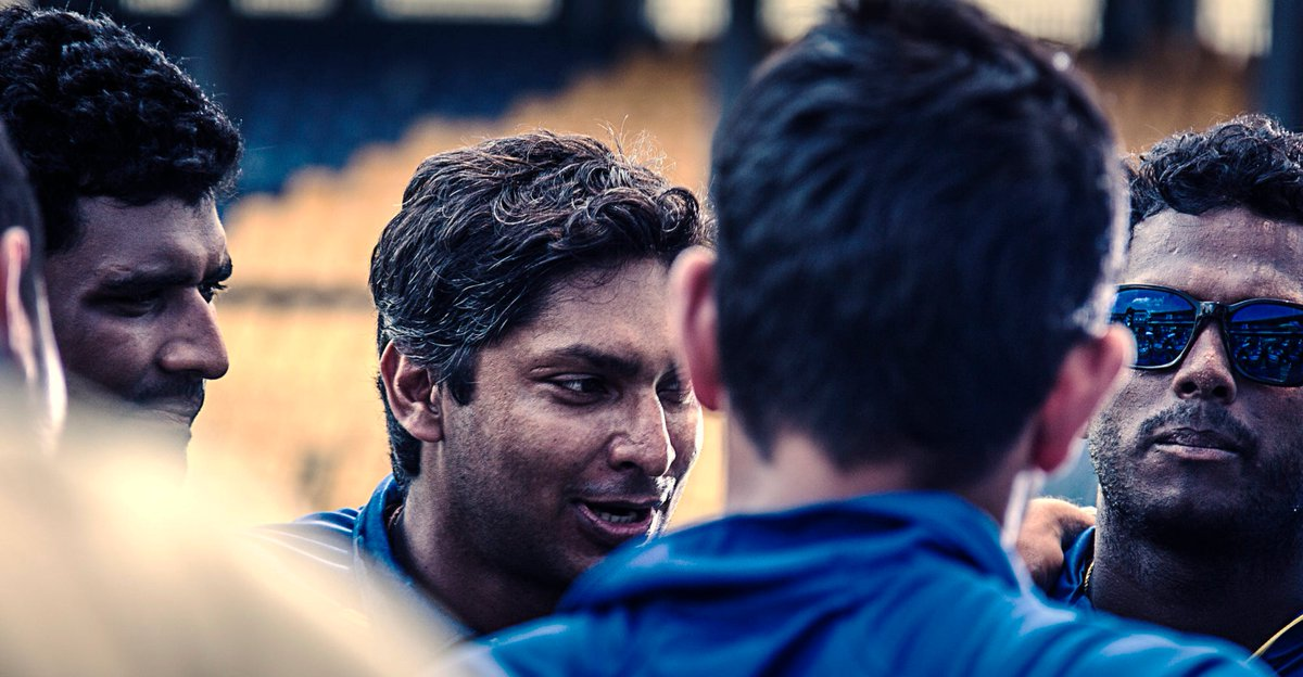THE BOSS SPEAKS #KumarSangakkara (@KumarSanga2) speaks to his men at the #Kettarama, #Colombo. Jan 2014. More@ https://wp.me/p331hA-2Bk   #sportsphotography #Colombo #cricket #Kettarama #KumarSangakkara #CanonSriLanka #SriLankaCricket #teamhuddle #18_200mm #600Dpic.twitter.com/UtiuxlB8nP