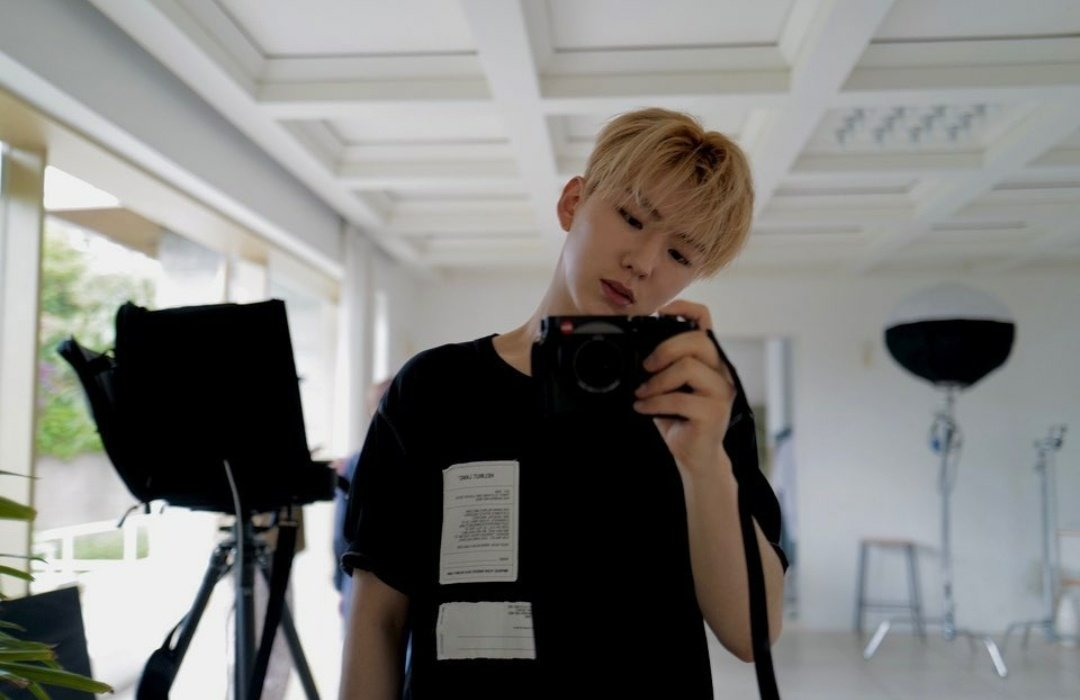 [KIHYUN INSTAGRAM UPDATE] Kihyun just posted multiple mirror pictures on Instagram! Link: instagram.com/p/CCVYl1-B4CG/… @OfficialMonstaX