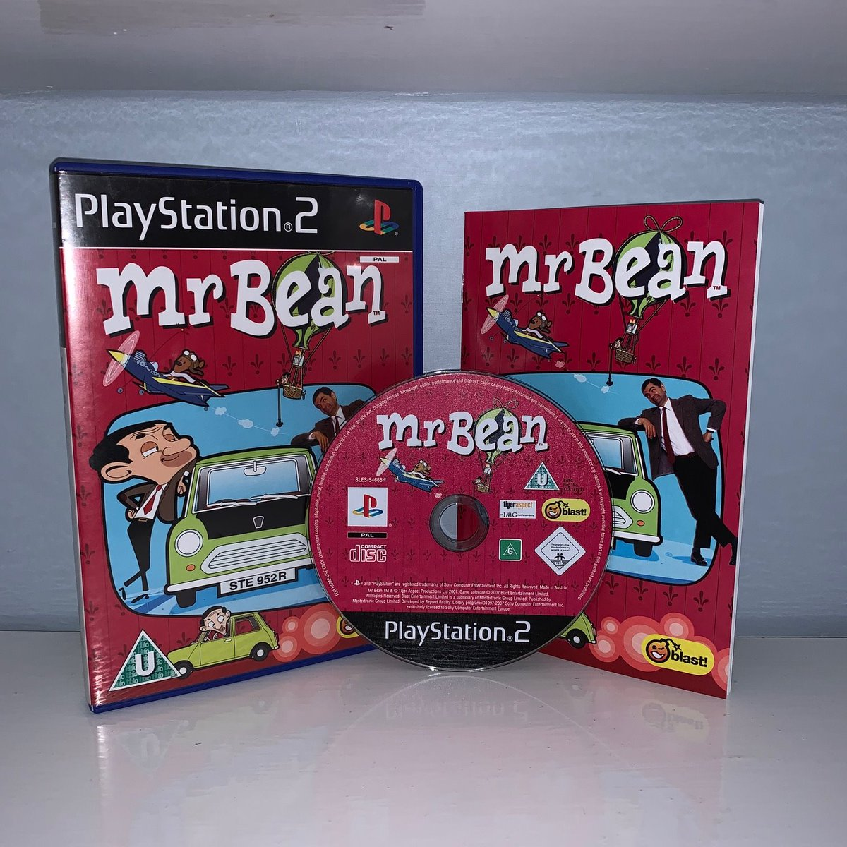 If you ever find yourself tempted and wanting to play #MrBean (no idea why) then at least play it on the Wii, far better game with far better controls.  Crash Bandicoot Wannabe Terrible Music Awful platform physics  #PS2sday #GamersUnite #shareyourgames #RETROGAMINGpic.twitter.com/fj7QB3J2eT