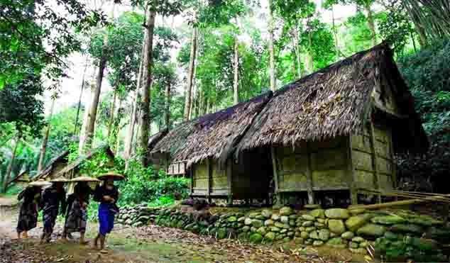 Suku Baduy Kirim Surat Terbuka untuk Jokowi, Minta Dicoret dari Destinasi Wisata https://t.co/CBur4jJN55 https://t.co/otjRKxZ8zo