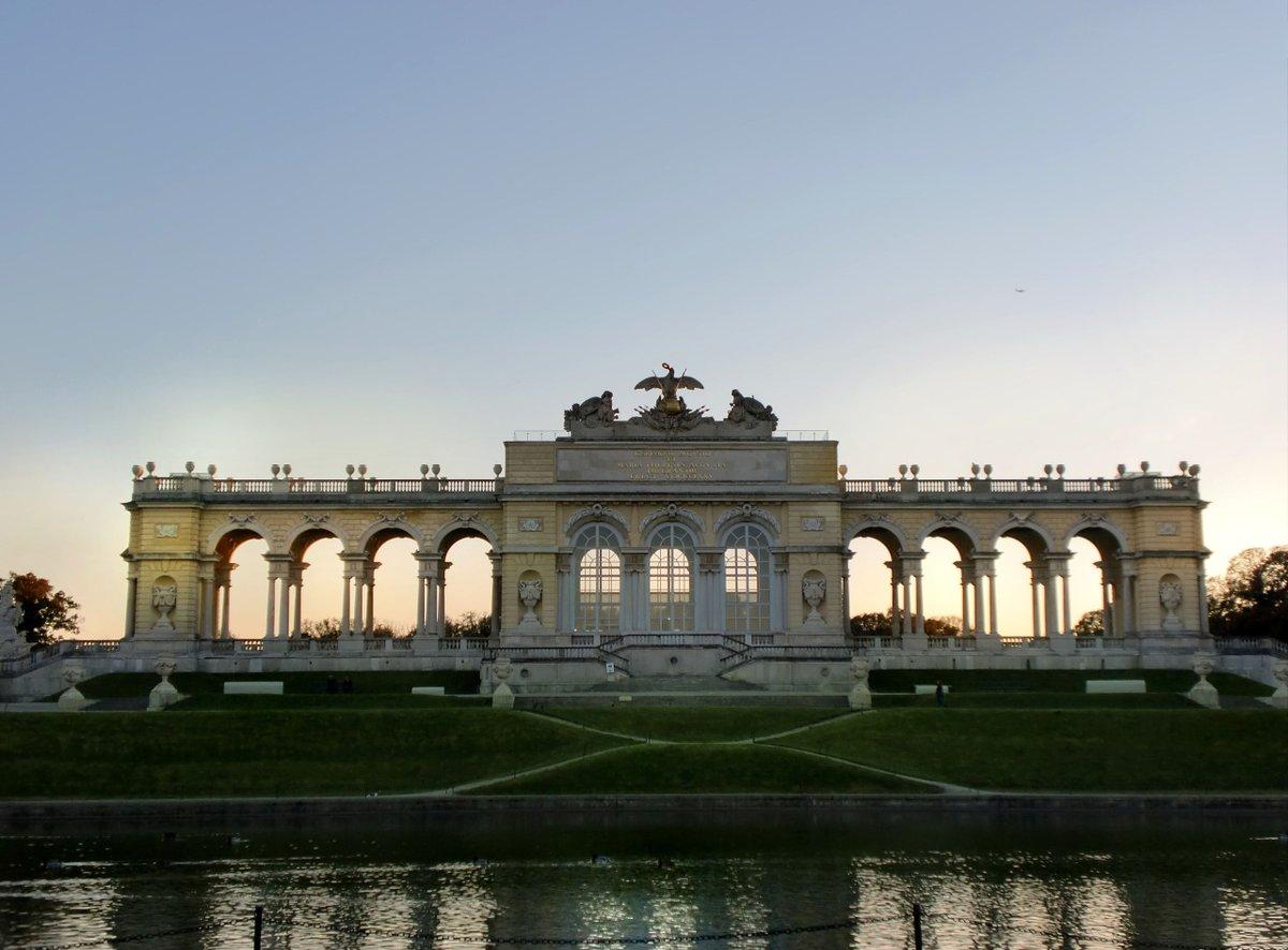 The Gloriette     #Vienna #Wien #Austria @schonbrunn #architecture #History #Gardenpic.twitter.com/hjBMyVQCwV