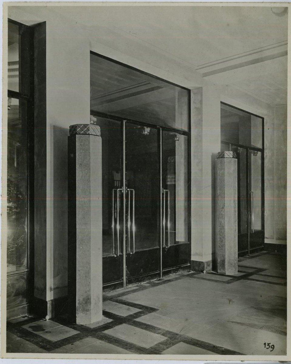 ➖IL ÉTAIT UNE FOIS PLEYEL➖ Le vestibule de la @sallepleyel de 1927 à nos jours.  Il conduit le public vers le hall cathédrale.   #sallepleyel #pleyel #archive #vestibule https://t.co/vHgqQT9402
