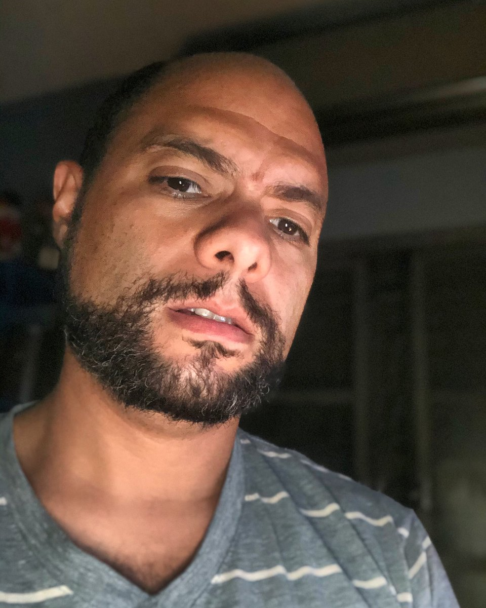 📸 . . . . . . .   #me #beard #bear #otter  #barbudo #selfie #barbudosepeludos #barbas #lenhador #instamuscle #smile #boy #handsome #careca #homens #fitness #hunk #hunkman  #littlebear #beardstyle #menbeard #ursinho #fiqueemcasa  #pijama  #mascarasalva #quarentena