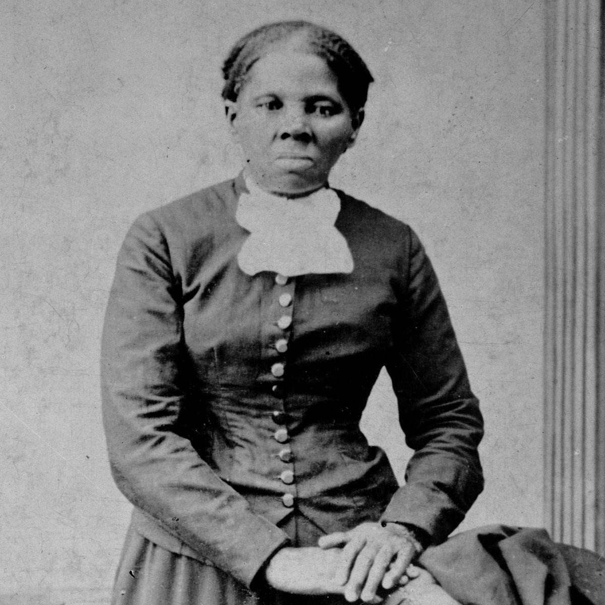 """Harriet Tubman, who escaped slavery only to return & fight the south, was approved to replace the racist Andrew Jackson on the $20 bill. #RacistTrump blocked it. So every time someone tries to give me a $20, I say """"two Hamilton's please."""" Retweet and support!"""