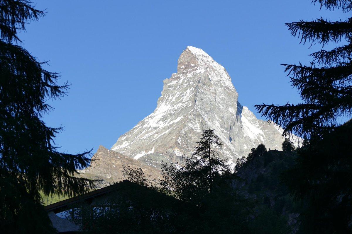 Good morning #Matterhorn #cervin #zermatt @zermatt_tourism @MySwitzerland_e #Switzerland #mountains