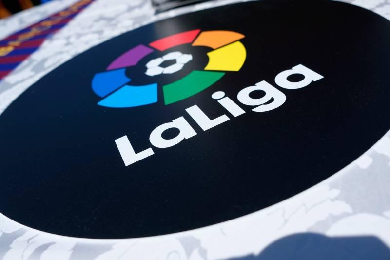 2019/20 #LaLiga Results:  Sevilla 1 - 0 Eibar Real Sociedad 1 - 1 Levante  Which team will finish the season in the #UCL spot? SG https://t.co/6gWHnuPfCW