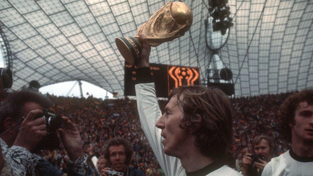 7️⃣6️⃣ Alles Gute zum Geburtstag, Jürgen #Grabowski! 🎉  🏆 Weltmeister 1974 🥇 Europameister 1972 https://t.co/U5aANmEAOo