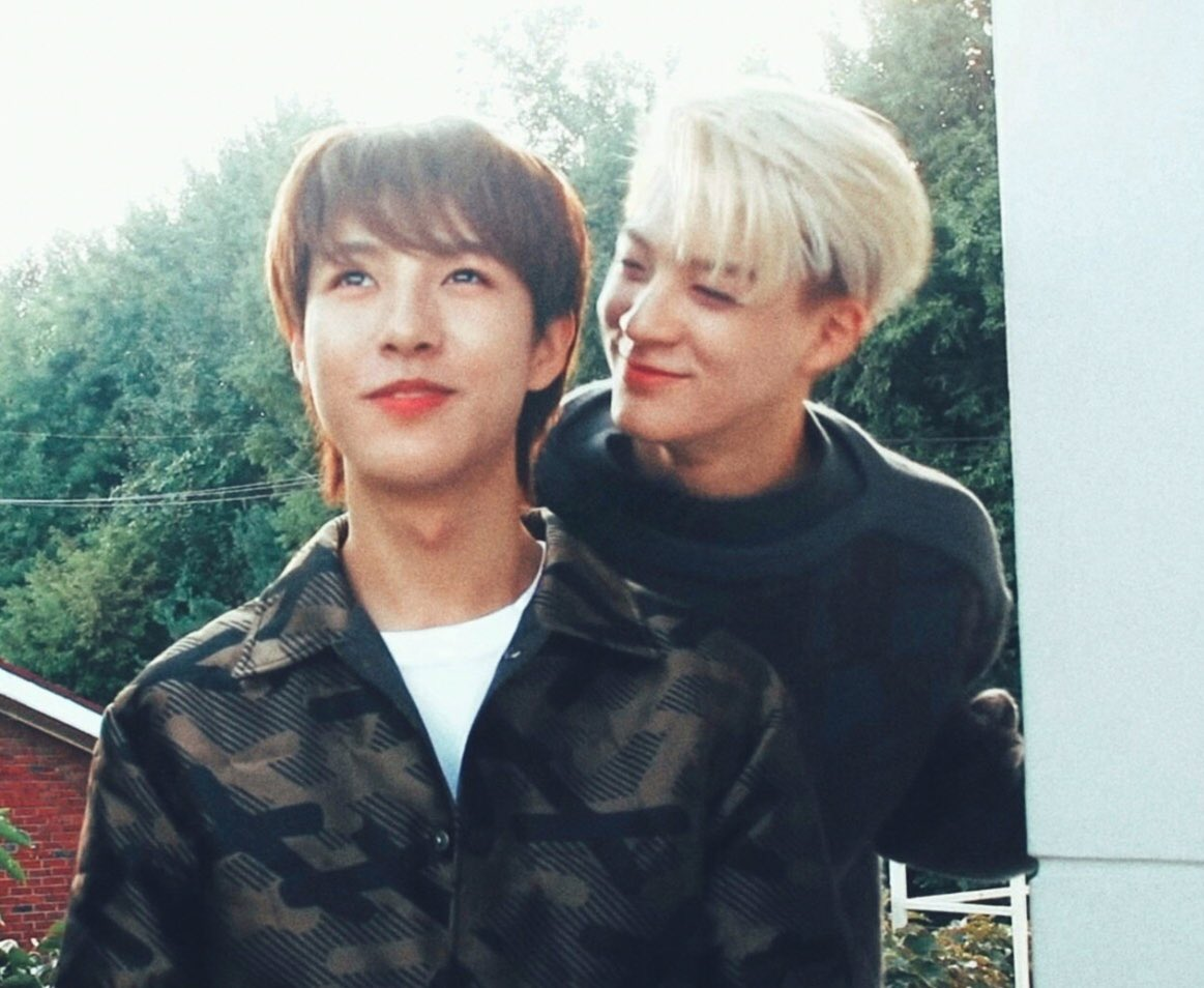 Noren Red String AU (bahasa!)   Two souls that connected by the red strings are destined to be soulmates.  What if jen o and renju n  are chosen by the red strings? <br>http://pic.twitter.com/fsRzKuXVBB