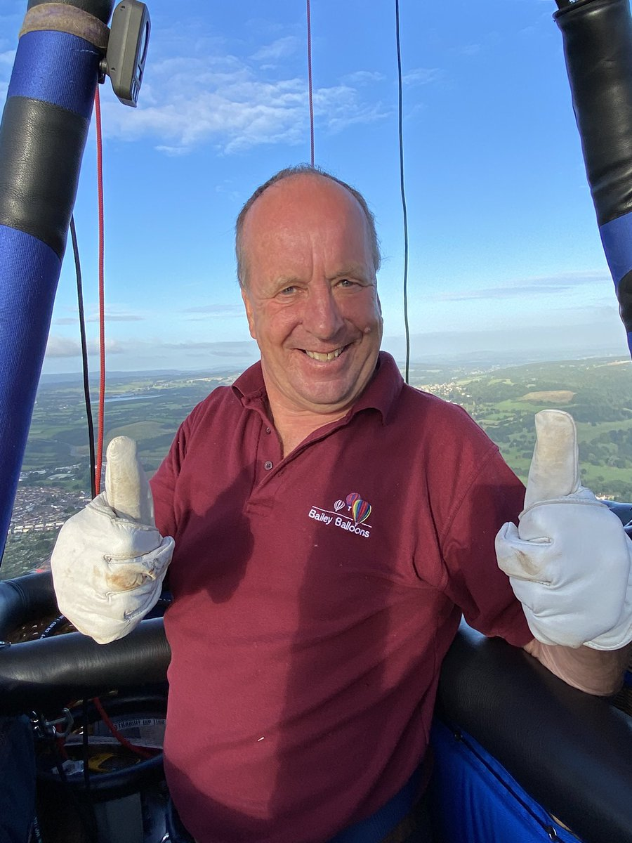 A perfect morning for our practice social distancing balloon flight! Fabulous morning flying over a sparkling Bristol filmed by BBC Breakfast. Landing near Wick. #bristol #balloons #visitbristol https://t.co/jLzRhd6k6N