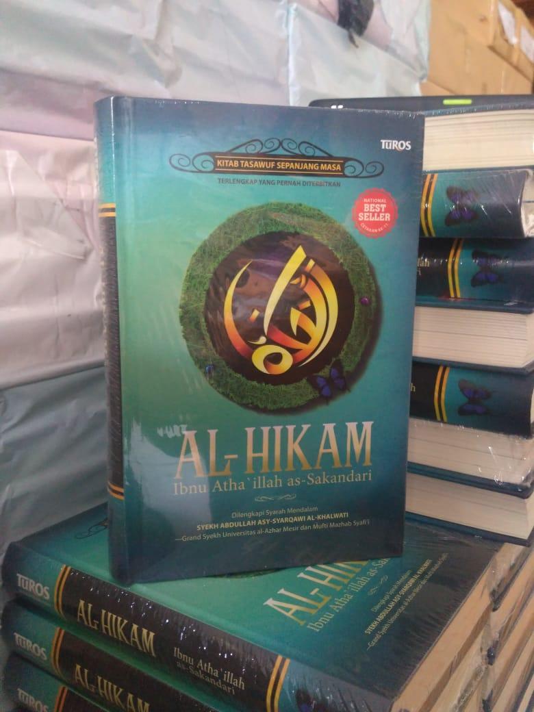 Kitab Al-Hikam adalah kitab yang selalu dijadikan pegang oleh mbah #GusDur. Saya rasa, tidak masalah saya mengikutkan di sini buku 99+ Bukti Gus Dur Wali. Yang minat langsung aja ke https://t.co/d8p9GO2K3p https://t.co/ZqMVR7Mbcc