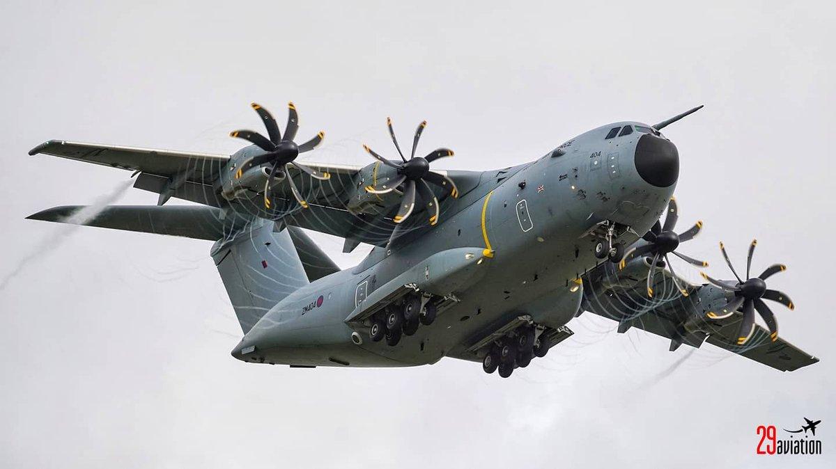 https://t.co/cH25JdAhCP | #RAF #Airbus #A400M at #GuernseyAirport | #GCI #RAF #EGJB #BZZ #RAFBrizeNorton #BrizeNorton #Military #AirForce #Aviation #AvGeek #Plane #Pilot #MegaPlane #AviationPhotography #PlaneSpotting #Airline #Aircraft #Airplane #TurboProp #Guernseu #Vapour https://t.co/saE279E4Ji