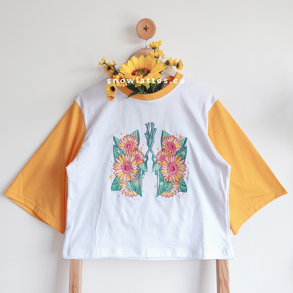 breath of #summer sunflower and hydrangea embroidery t-shirt!! with wide arm design, just like the previous spring ones  pic.twitter.com/MnAtGlSzEV