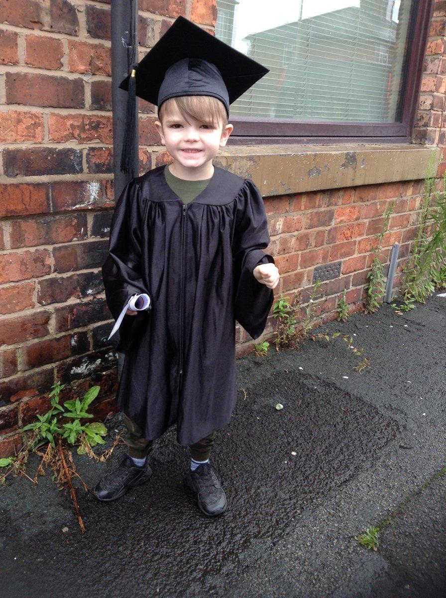 Nursery Graduation, Class of 2020 #newadventures #startingschoolpic.twitter.com/VJQ10TRLet