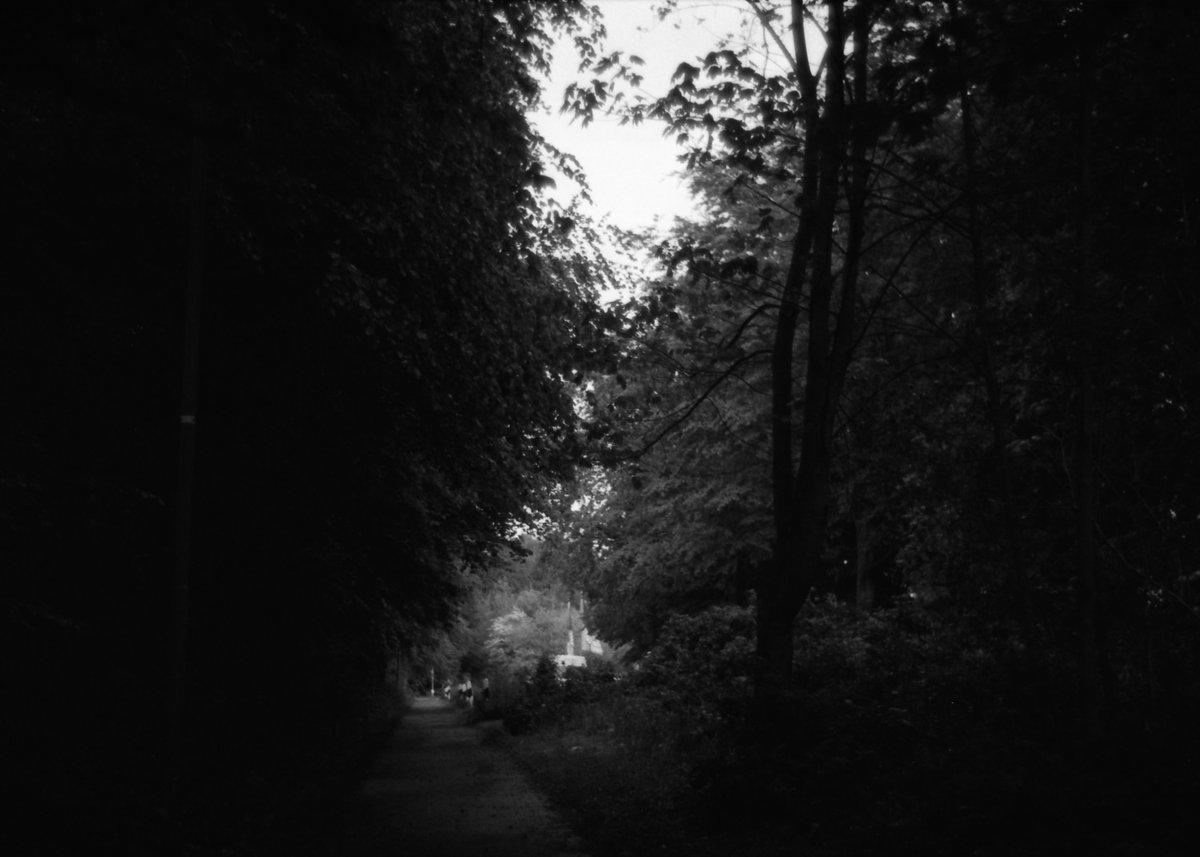 Leica CL test shots, I like the shadows^^  Leica CL Komura 35mm f2.8 Foma Pan 400  #fineartphotography #leica #leicaphotography #35mmfilm #bnw #bnwphotography #blackandwhitephotography #blackandwhite #picoftheday #PictureOfTheDay #filmphotography #streetphotography #shadows #city