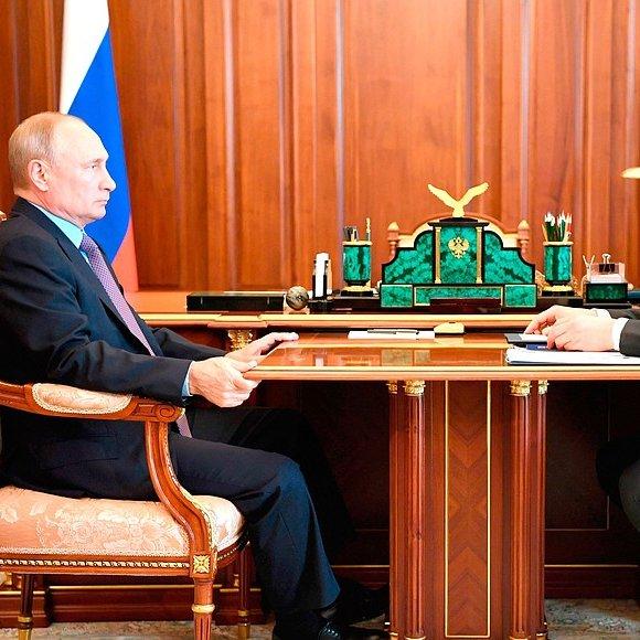 #Kremlin: Meeting with Russian Post CEO Maxim Akimov https://bit.ly/2O3Ic6wpic.twitter.com/n9p2U9dzdw