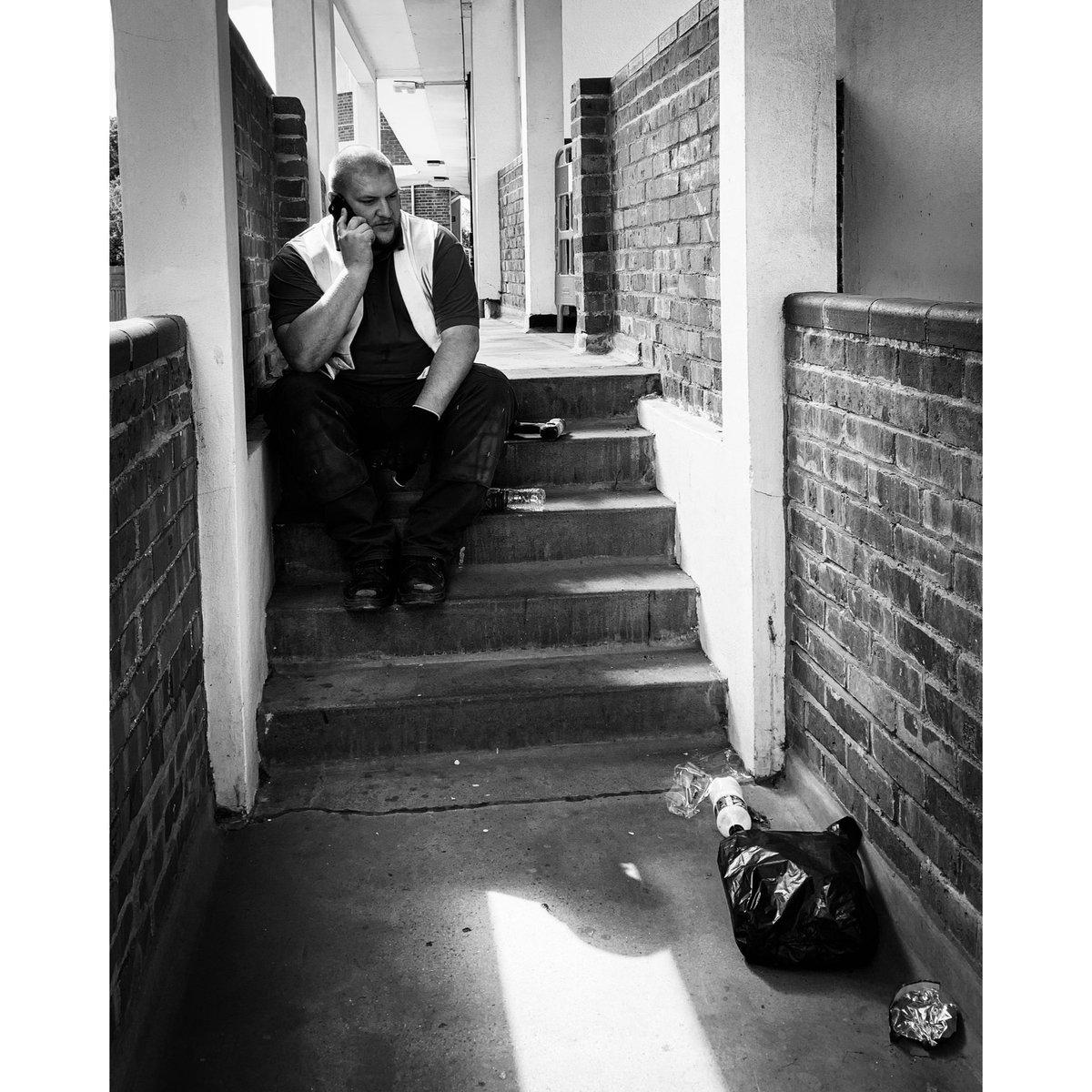 #streetphotography #photooftheday #photography #London #workman #iPhone #iphonephotography #tuesdayvibespic.twitter.com/WR4RPanegF