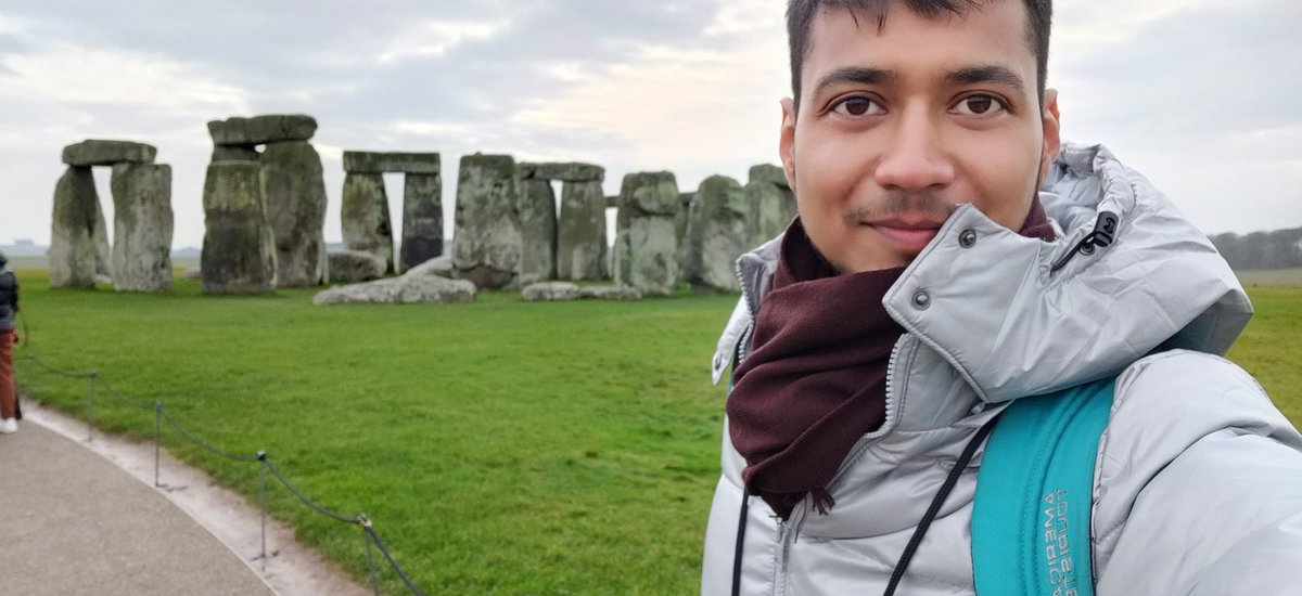 Humans can do everything if they desire for it.  #nofilter #picture #stonehenge  #travelphotography  Even can take selfie with masterpiece. 😜 E m Joking ... https://t.co/Ud4kojjSoa