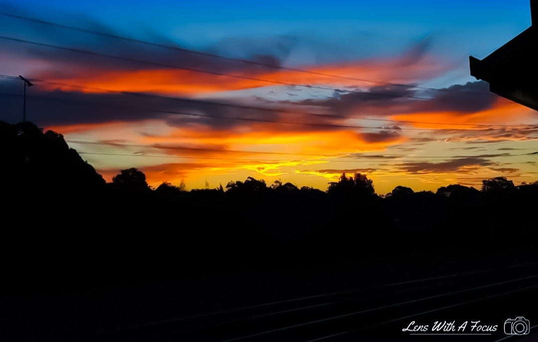 'Riding into the Sunset'  #photography #sunset #sunrise #orange #silhouette #blackpic.twitter.com/TaJtekCqkT