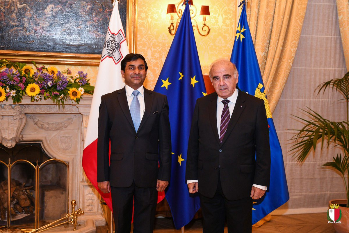 H.E. Rajesh Vaishnaw, High Commissioner of India to Malta visited me on a Courtesy Call at Sant'Anton Palace this morning. I was very pleased to hold discussions on a wide array of issues ranging from bilateral cooperation, the COVID pandemic and environmental protection. https://t.co/w39HAqZu7R