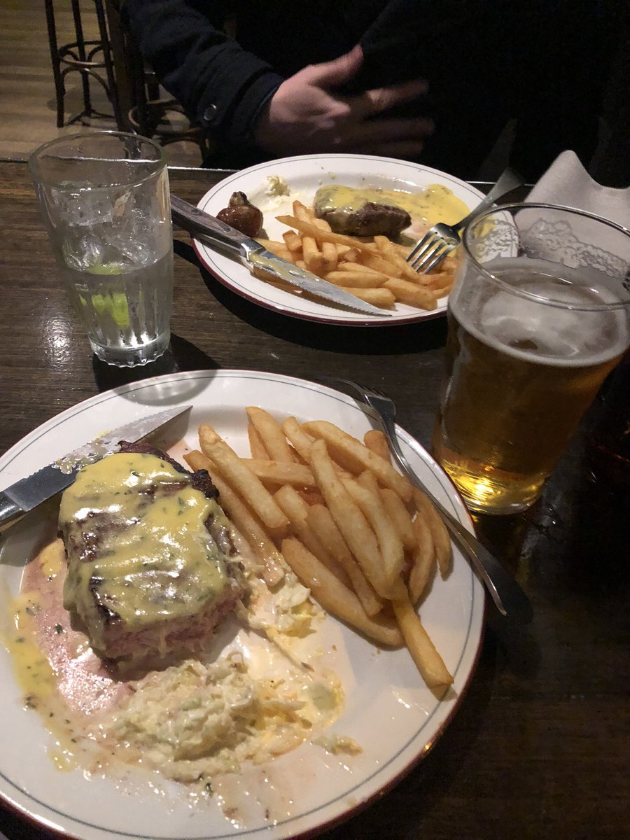 The last taste of freedom in Melbourne.  Mt Erica Hotel is around still in 6 weeks. pic.twitter.com/CRpAQpsYwh