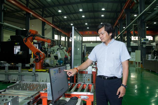 Taiwan smart manufacturing trial base to extend to technological verification #ICTmanufacturing #innovation #innovationnews #IT #CE #ITRI #manufacturing #Server #IPC #cloudcomputing #IoT #smartmanufacturing #Software... #DIGITIMES https://www.digitimes.com/news/a20200703PD212.html?chid=9…pic.twitter.com/O9BR11pLFp