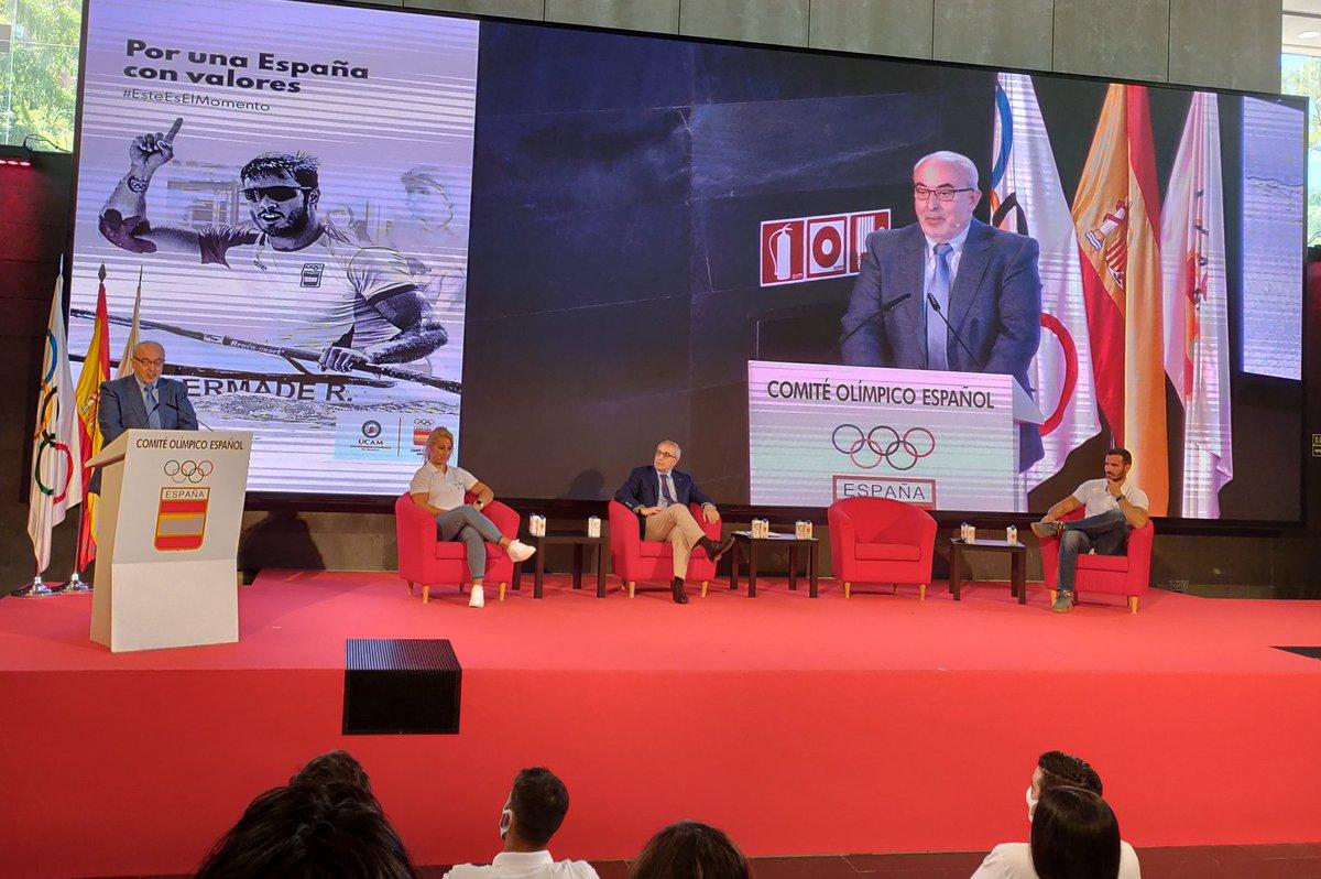 """📢 José Luis Mendoza, presidente de la UCAM: """"Lanzamos un mensaje a toda la sociedad española a través del deporte olímpico. Los deportistas sois modelo para la sociedad por los valores que representais como la constancia, el compañerismo y el esfuerzo"""" https://t.co/OBKMt449md"""
