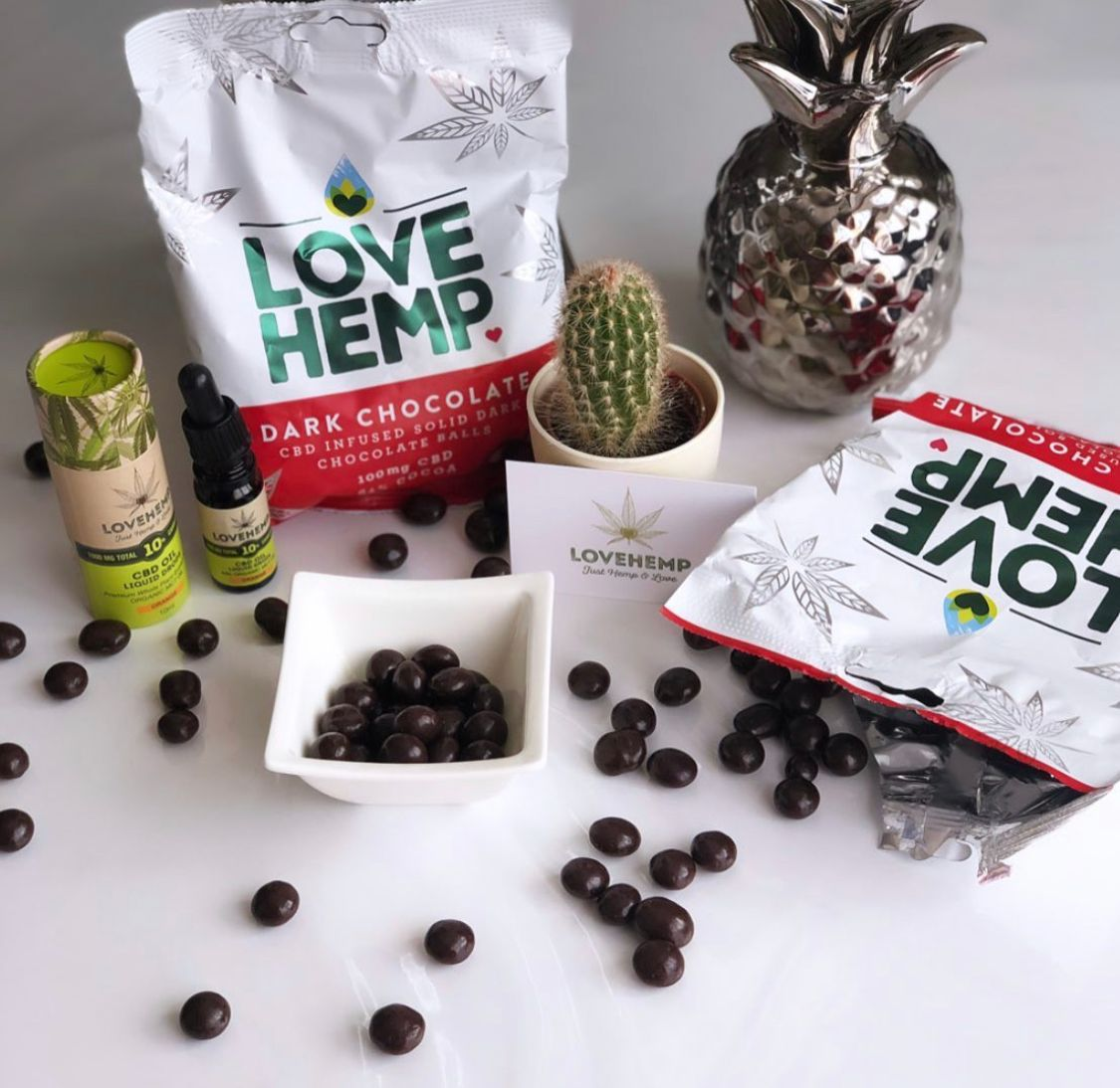 It's #WorldChocolateDay! 🍫There's no better way to celebrate than sharing your favourite treats, and our family sized bag of CBD Infused Chocolate Bites are perfect for that! Order yours today 👉 https://t.co/RWFS1KZJLu https://t.co/g93FhqrG5x