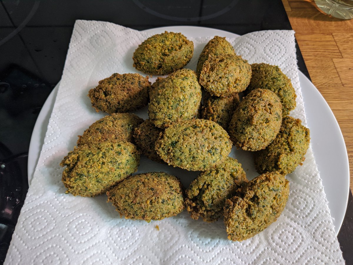 If we can't come to #telaviv it has to come to us ... First homemade falafel #hakosem style ...  Next year again in real - hopefully!pic.twitter.com/Rbe5d56MUO