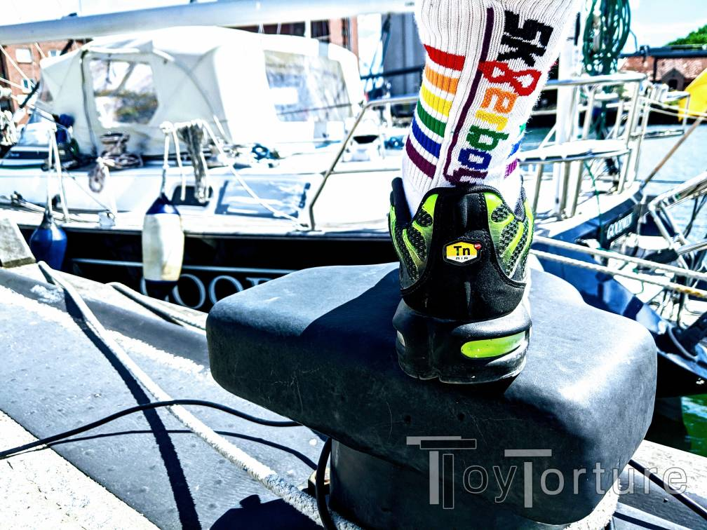 test Twitter Media - Sex on the beach? Nike Summer TN1 and @sk8erboy_shop Pride Sox at the port! https://t.co/5rLb3EnP2w