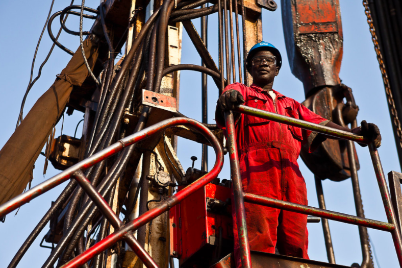 Implementing a just energy transition for workers will not be easy, but it is imperative for governments in oil-exporting emerging economies to begin planning now.  @Sandeeppaii explains in the latest post in our #energytransition series  https://t.co/0VZMDLOPTk #justtransition https://t.co/oyp04jEvKq