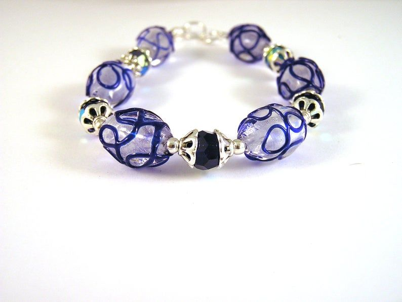 Glass Bead Bracelet | Etsy  https://buff.ly/2Z4iCEI Use code SAVENOW to save 20% on orders over $20 Free US Shipping! #Etsy #Etsyshop #jewelry #jewelryonEtsy #freeshipping #jewelryaddict #JewelryLovers #ShopSmall #bracelets #OOAK #handmadejewelrypic.twitter.com/iFhJ8JUG1p
