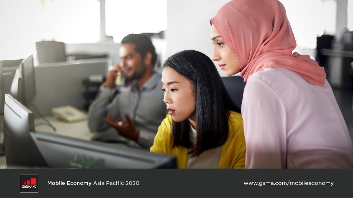 What are the key trends shaping #digital societies in #AsiaPacific?   Download the new #MobileEconomy for in-depth updates on:  • The digital agenda for businesses & govs • Initial response to the #COVID19 pandemic • Impact on #5G rollout  👉 https://t.co/VSNcBXou62 https://t.co/d9evYdz1js