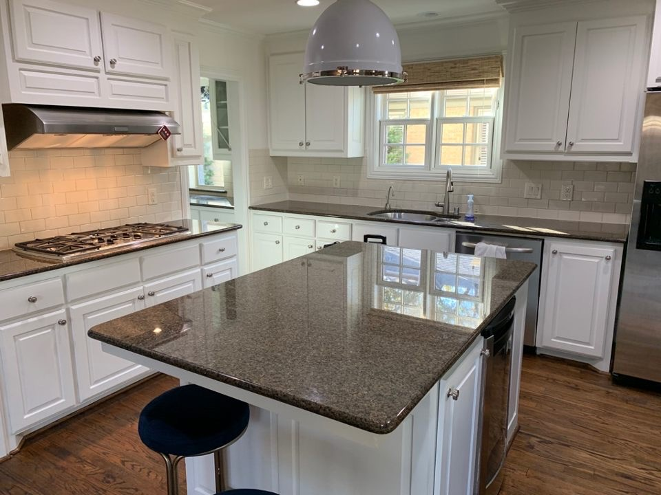 Another beautiful new kitchen complete!!  We are here to get your project complete today!! . . . . . #DFW #DFWstoneworks #Dallas #FortWorth #countertop #countertops #kitchen #bathroom #granite #quartz #quartzite #beautiful #homespic.twitter.com/2SCLcREfI8