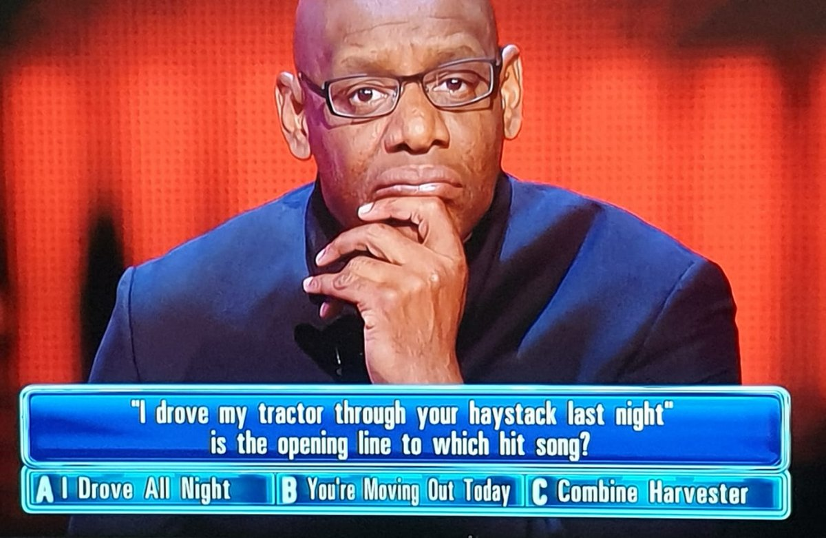 Look at the delight on Shaun's face as he joyfully sings the song in his head... 😁 #TheChase