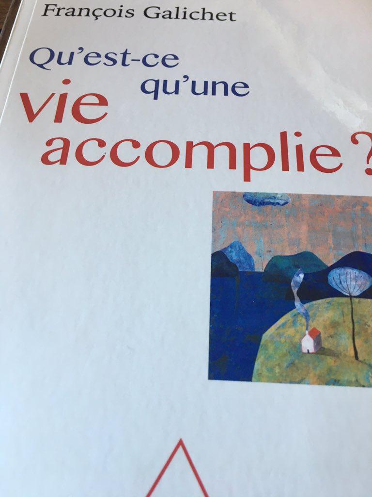 Beau livre de François Galichet sur la fin de vie, la vieillesse, la mort... A lire même quand ces questions apparaissent bien lointaines...