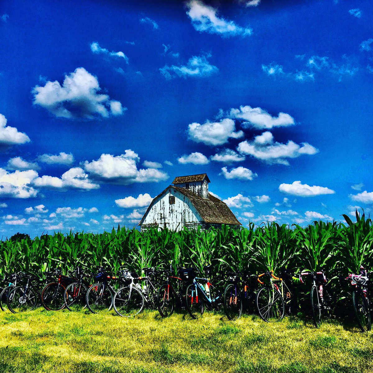 Iowa #bicycle rack! #cornfed #bicyclelife #bicyclelove #getoutdoors #freshair #funpic.twitter.com/0tXWyhXK1W
