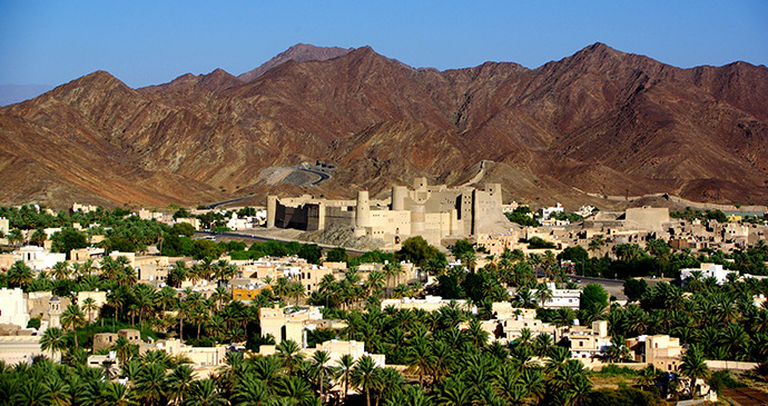 A1: With trade routes dating back thousands of years, it's no surprise that Oman has claimed 4 inscriptions on the UNESCO World Heritage List. You can't help but be bowled over by each site's striking architecture! bit.ly/2CeQ5TW #TRLT @TonyWalsh_me