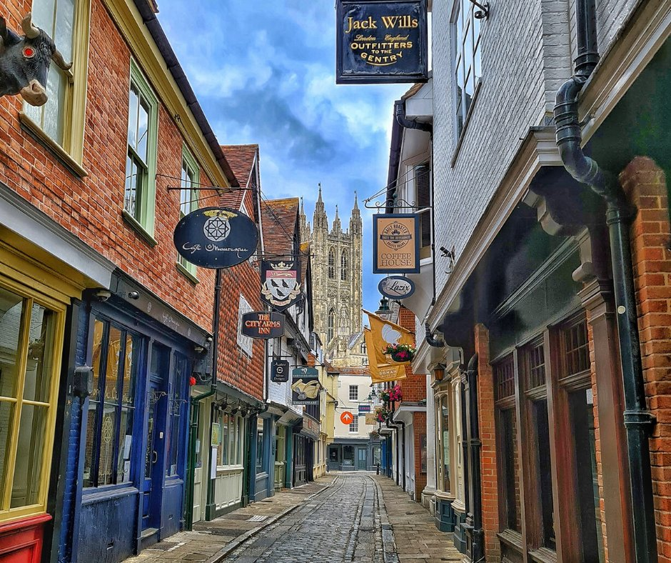 With a surge of re-openings, it is important to not forget #smallbusiness. We should be #supporting them, due to the investment they have had in the #community, as well those that will give us joy.  https://buff.ly/3iGmcg3 #supportlocal #supportsmallbusiness #canterbury #chbvcpic.twitter.com/hMsQ8QlCnR