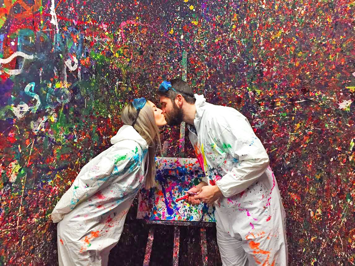For a romantic night out, Pinspiration Orlando's Splatter Date Package ($99) will allow you and your honey to get a little messy creating a masterpiece together! Browse other fun projects, make a reservation, and learn more here: https://buff.ly/2CeNF7O #Sponsoredpic.twitter.com/X7dcKy3PMk