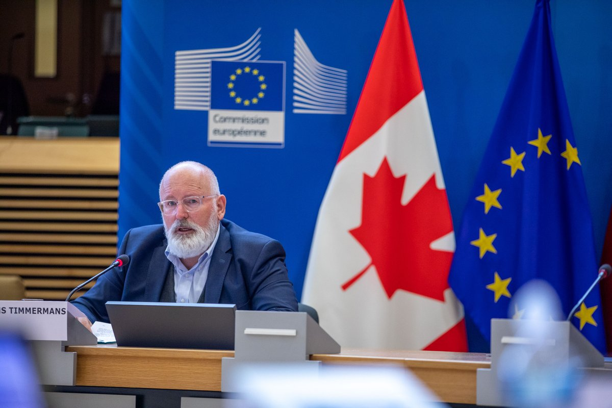 Executive Vice-President @TimmermansEU hosts the 4th Ministerial Conference on Climate Action #MoCA 📸 Photos available here 👇 europa.eu/!Pk69ky
