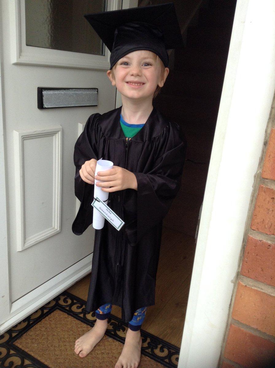 Nursery Graduation, Class of 2020 #newadventures #startingschoolpic.twitter.com/lTkcdmeNjm