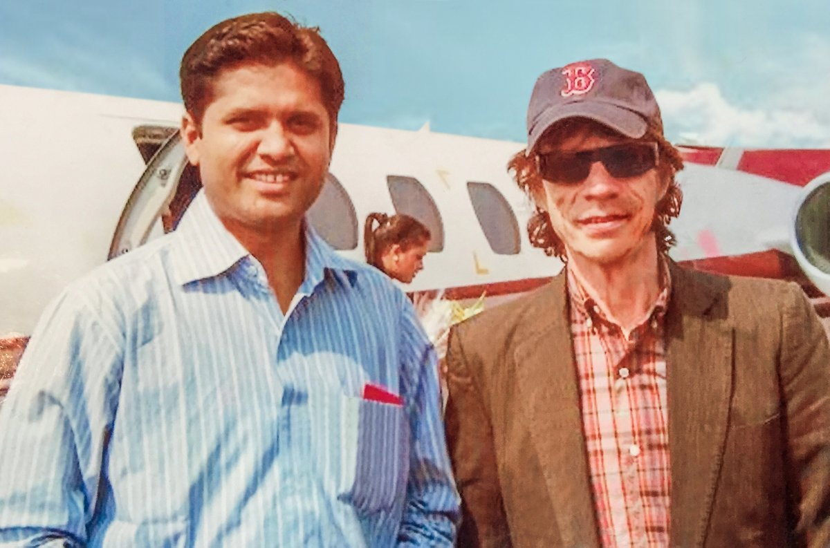 13 years back I had the privilege of meeting & flying #Sir #Mick #Jagger, the father of #Rock #Music.  Picture worth preserving. #privatejet #aviation #luxury #businessjet #luxurylifestyle #privatejetcharter #privatejetlife #jet #privatejets #travel #privateaviation #businessjets https://t.co/KTQyWSwWs8