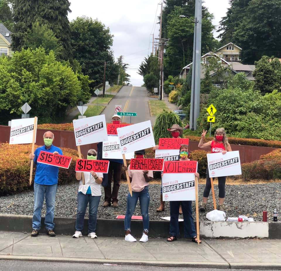 Our most recent sign waving included three generations of Biggerstaff among the volunteers. Join us this Saturday the 11th at the corner of cooper point and yauger for sign waving ) at 11-12:30. And you can help us with a lit drop afterwards! pic.twitter.com/K63dkWPNlf