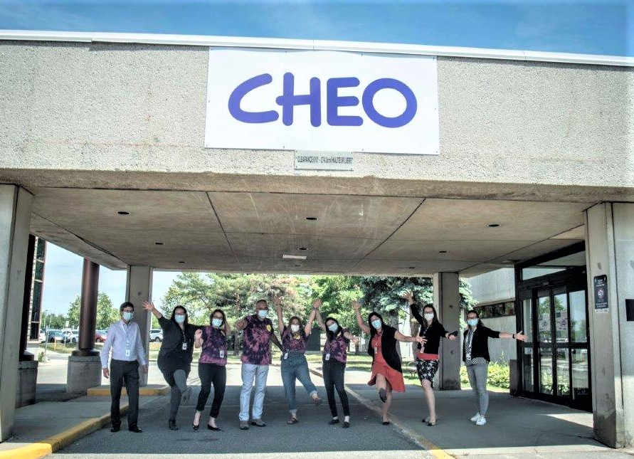test Twitter Media - #COVID19: mother of invention?  Day 1 of @CHEO #diabetes clinic drive-through. Routine HbA1c testing. Results in 3 minutes, 60 kids seen. No fuss, muss, parking or coming inside. Congrats to our endocrinology, lab and IT teams for your innovation! #cdnhealth #onpoli #ottnews https://t.co/7LaeGs2Hwt
