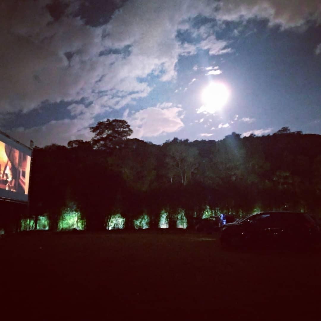 #Dica #viveremAlphaville . 🎦Vocês sabiam que #Alphaville tem um Cinema #drivein? Conheça o @cinedrivein.terrapreta e confira no instagram a programação para o fim de semana. Legal né? #conectaimovel  . #REPOST @cinedrivein.terrapreta E assim foi nosso final de semana no Cine https://t.co/FTRhWrJfPu